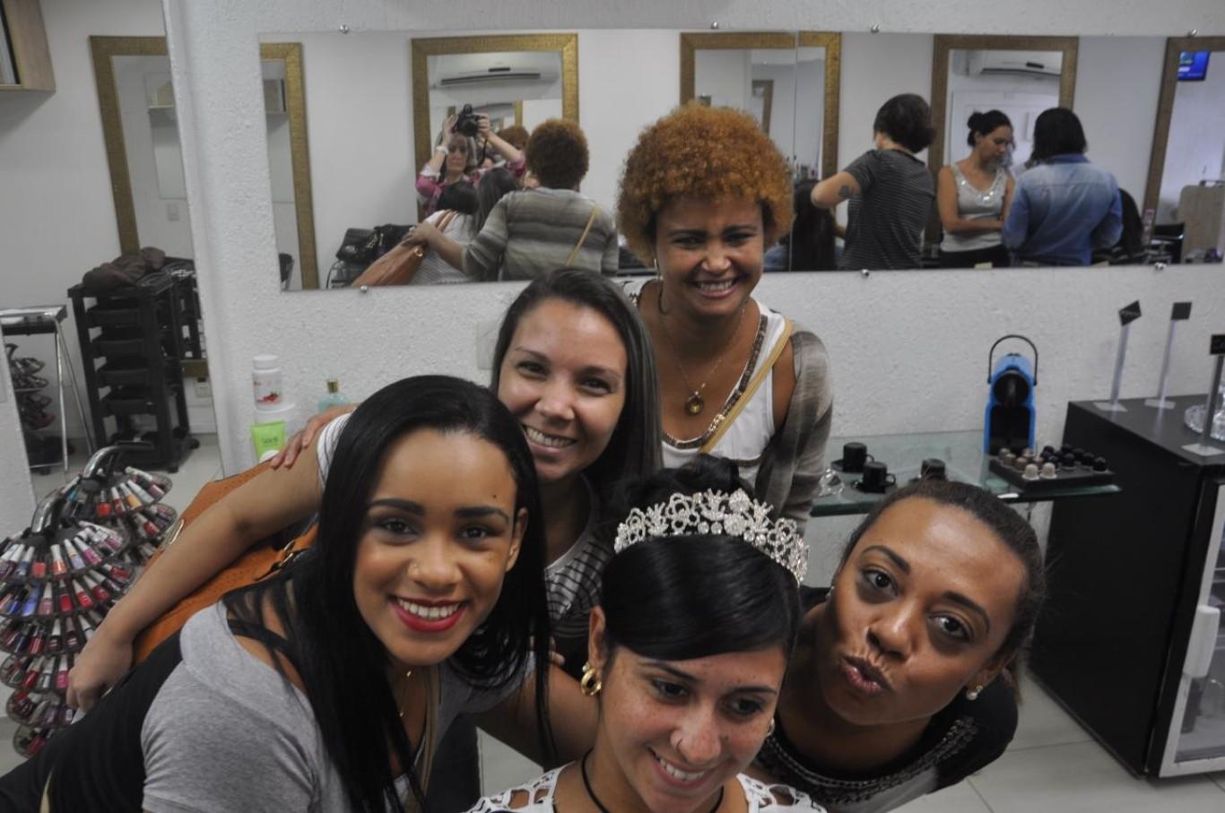 """Debutantes e noivas começam a escolher penteados e maquiagem para abrilhantar no """"grande dia"""""""