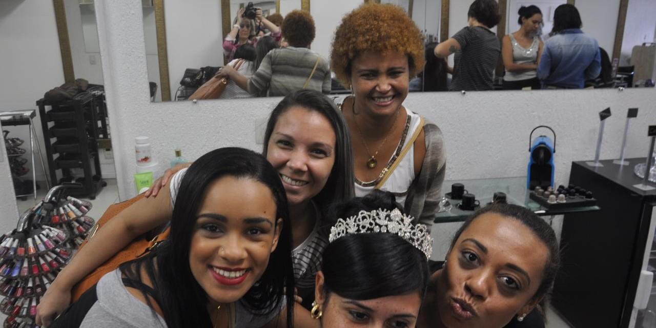 Debutantes e noivas começam a escolher penteados e maquiagem para abrilhantar no